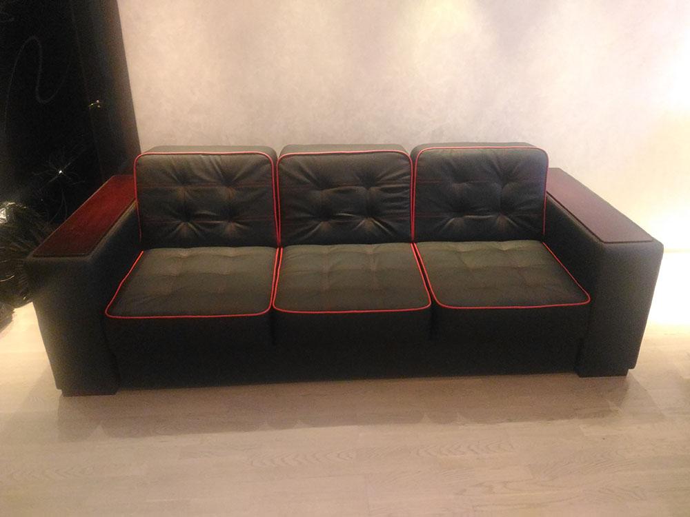 Обивка кожаных диванов