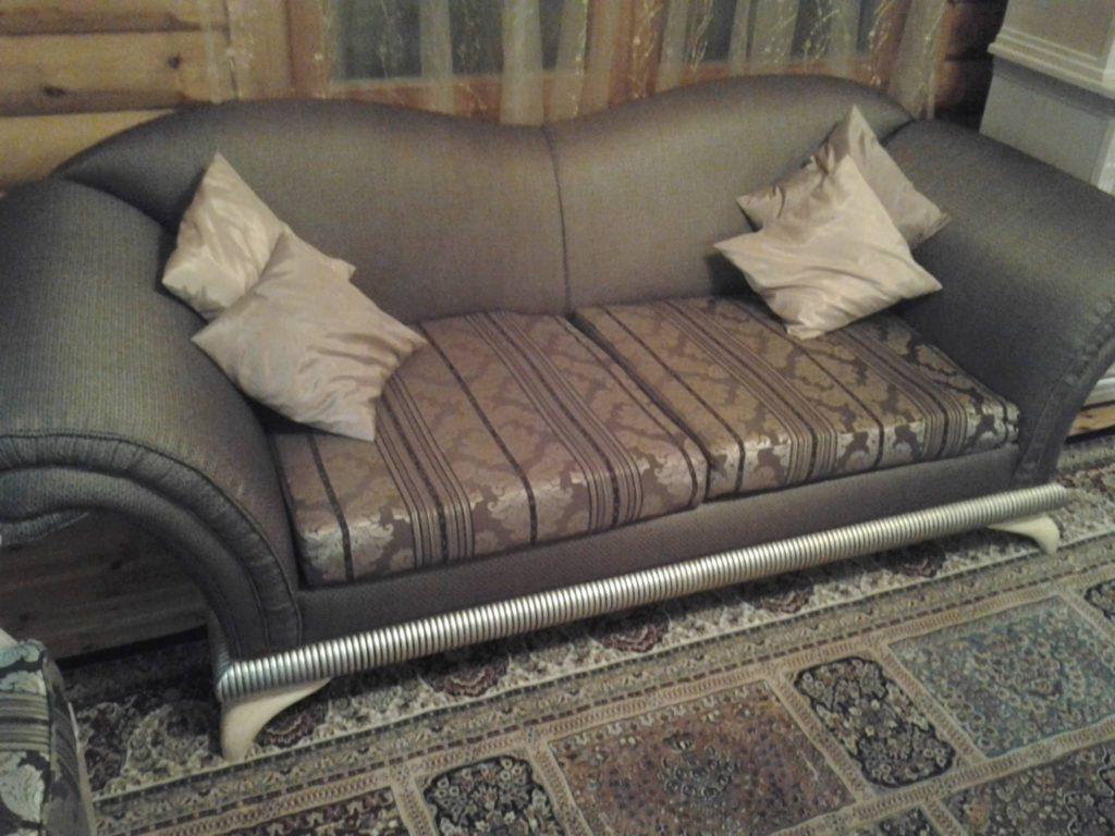 Перетяжка диванов