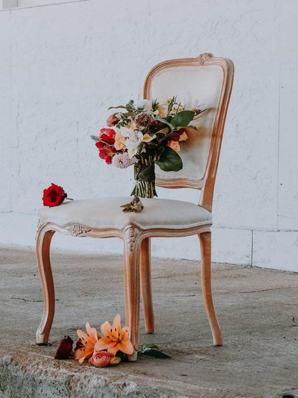 Преимущества Обивки мебели в Москве